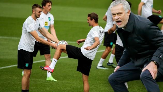 Sasa Kalajdzic (li.) hat das Interesse von Jose Mourinho (re.) geweckt. (Bild: GEPA )