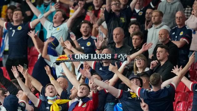 Der UEFA können die Stadien gar nicht voll genug sein - Corona hin oder her (Bild: AFP)
