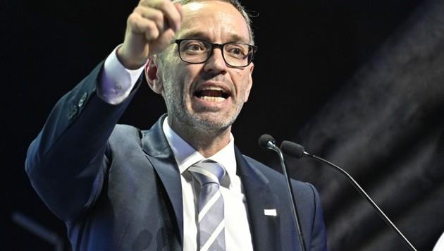 FPÖ-Chef Herbert Kickl will die Verleihung der Staatsbürgerschaft für türkische Staatsbürger aussetzen. (Bild: APA/Hans Punz)