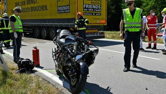 Der Fahrer verlor die Kontrolle über sein Motorrad. (Bild: Manfred Fesl)