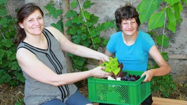 Martina H. mit ihrer Tochter Marlene (Bild: Zwefo)