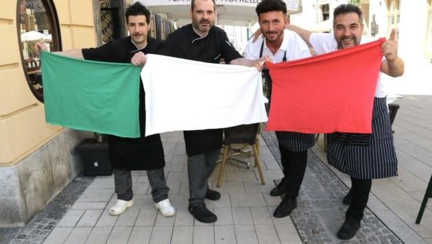 Franco Zucca (re.) und sein Team sind von einem Sieg Italiens überzeugt (Bild: Jauschowetz Christian)