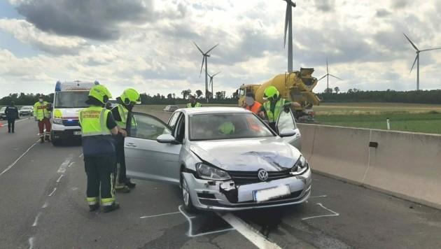 Die Florianis bargen die Unfallautos. (Bild: FF Mattersburg)