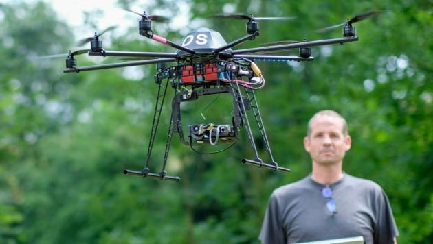 Künstliche Intelligenz sitzt im Cockpit dieses Octocopters (Bild: Einöder Horst)