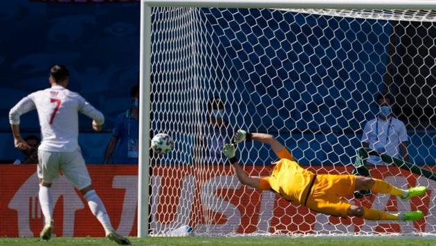 Alvaro Morata scheitert an Dúbravka (Bild: Copyright 2021 The Associated Press. All rights reserved)