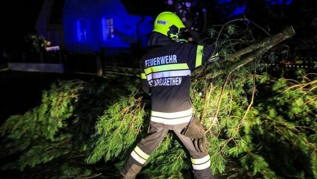 Die Feuerwehr St. Margarethen bei Knittelfeld im Einsatz. (Bild: Thomas Zeiler)