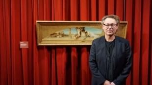 """Hans Peter Wipplinger, Direktor des Leopold Museum, führt """"Krone"""" - Leser exklusiv durch die Ausstellung (Bild: C.T.C.)"""