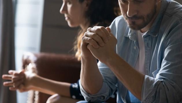 In dieser besonders herausfordernden Zeit ist es umso wichtiger, offen über seine Ängste, Sorgen und Bedürfnisse reden zu können. (Bild: ©fizkes - stock.adobe.com)