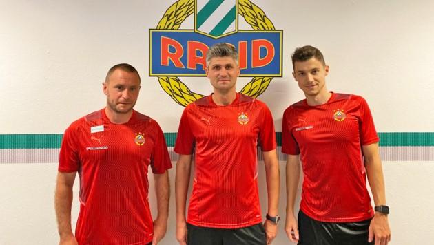 Co-Trainer Steffen Hofmann, Cheftrainer Patrick Jovanovic und Teammanager Tamas Szanto (Bild: SK Rapid)