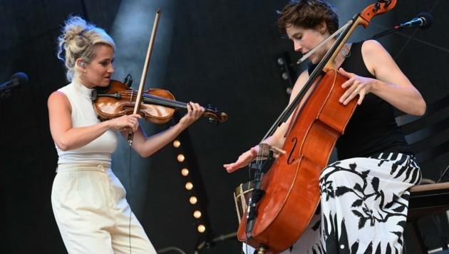 Julia Lacherstorfer und Sophie Abraham. (Bild: Dietmar Lipkovich)