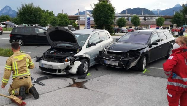An beiden Fahrzeugen entstand erheblicher Sachschaden. (Bild: Zoom.Tirol)