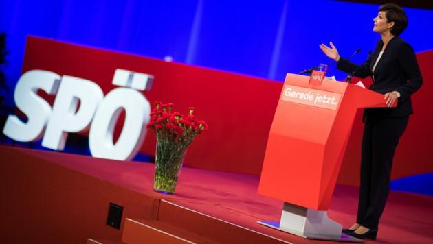Nach dem desaströsen Abstimmungsergebnis von Pamela Rendi-Wagner ist die SPÖ wieder einmal mit sich selbst beschäftigt. (Bild: APA/MICHAEL GRUBER)