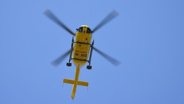 Der 70-Jährige wurde mit dem Rettungshubschrauber ins Spital geflogen. (Bild: P. Huber)
