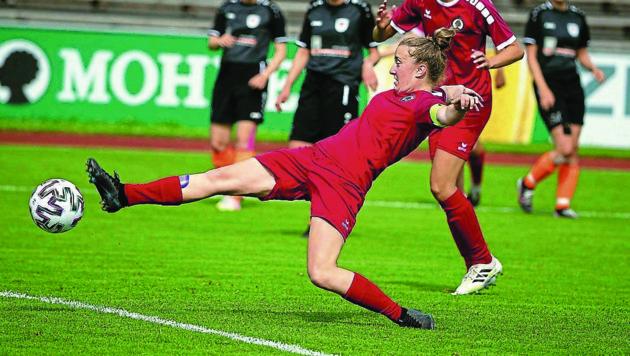 Caroline Fritsch und der FC Dornbirn haben gute Chancen auf den erneuten Sieg im Finale gegen Vorderland 1c. (Bild: Maurice Shourot)