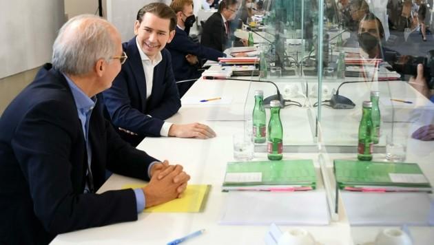Die ÖVP und Sebastian Kurz im Fokus eines neuen U-Ausschusses und der Sondersitzung (Bild: APA/HELMUT FOHRINGER)