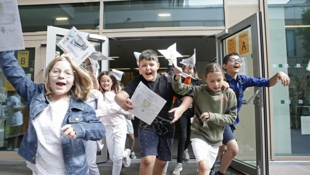 Schule aus – und raus. Doch auf die Kinder und ihren Eltern kommt ein Testreigen in den Ferien zu. Andernfalls können sie nur zu Hause sitzen. (Bild: Reinhard Holl)