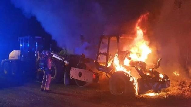Der Brand im Waldstück konnte schnell unter Kontrolle gebracht werden. (Bild: Berufsfeuerwehr Klagenfurt)
