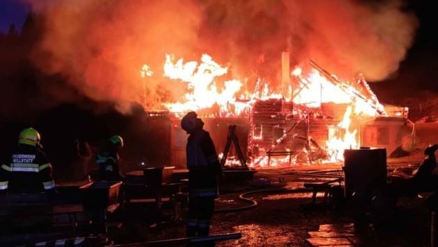 Die Sennerei fiel den Flammen zum Opfer. Eine Katastrophe für die beliebte Alexanderhütte. (Bild: zVg/FF Möllbrücke)