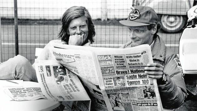 """Niki Lauda liest die Expertise von Benoit im """"Blick"""". (Bild: Foto: Blicksport/Benjamin Soland)"""
