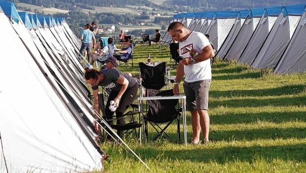 Die Campingplätze sind gut gefüllt. (Bild: Pail Sepp)