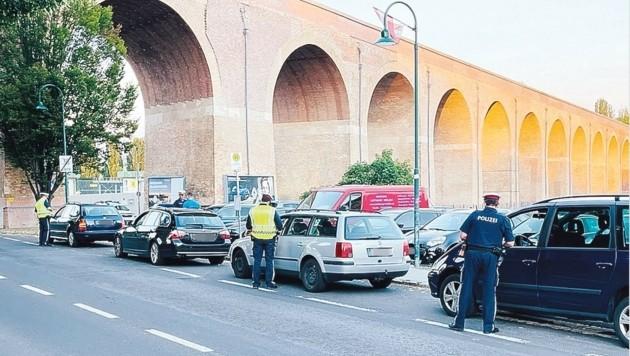 Fahrzeugkontrollen beim Planquadrat in Mattersburg (Bild: Christian Schulter)