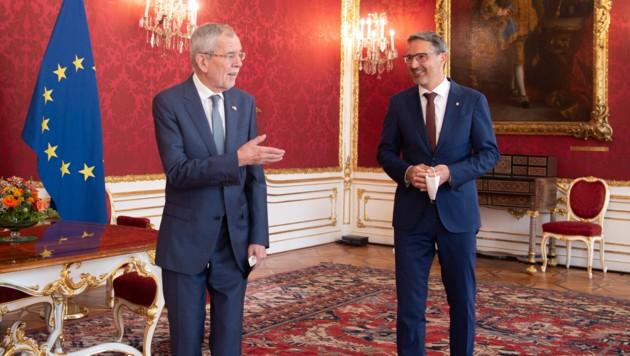 Südtirols Landeshauptmann Arno Kompatscher zu Gast in der Hofburg. (Bild: APA/BUNDESHEER/CARINA KARLOVITS)