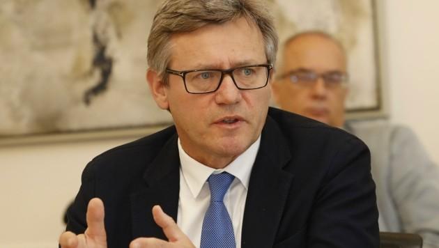 Max Tischler wurde am Mittwoch als neuer Magistratsdirektor der Stadt Salzburg bestätigt (Bild: Tschepp Markus)