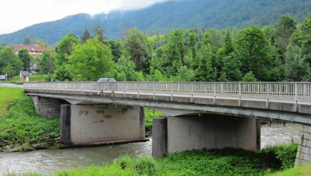 Das Tragwerk der Vellachbrücke ist schon schwer beschädigt. (Bild: Büro LR Gruber)