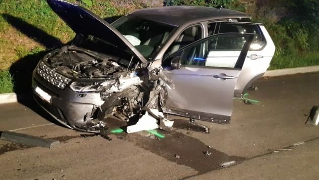 Bei dem Unfall wurden alle drei Personen verletzt. (Bild: FF Reifnitz)