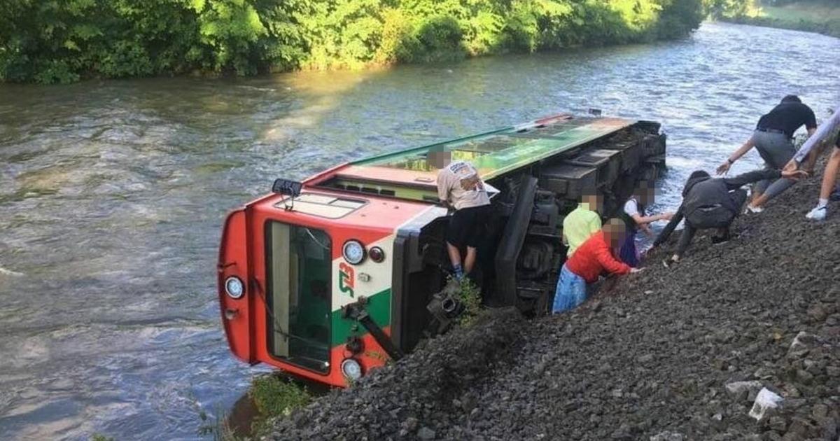 Murtalbahn in Salzburg entgleist: 17 Verletzte