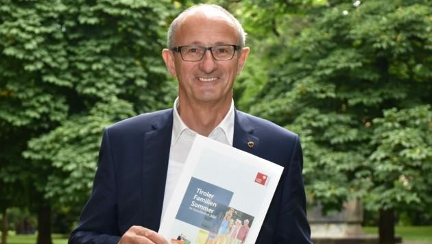Landesrat Anton Mattle betont, wie wichtig es ist, Zeit mit seinen Lieben zu verbringen. (Bild: Land Tirol/Kathrein)