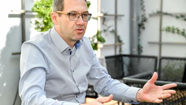 Der Steyrer SPÖ-Vizebürgermeister Markus Vogl hält an der jährlichen Fahrplanumstellung in den Sommermonaten fest. (Bild: Dostal Harald)