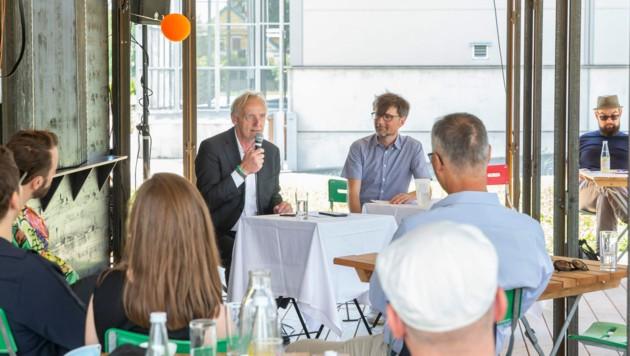 Kulturstadtrat Günter Riegler und Graz 2020-Manager Christian Mayer ziehen zufrieden eine Zwischenbilanz (Bild: Stadt Graz/Foto Fischer)
