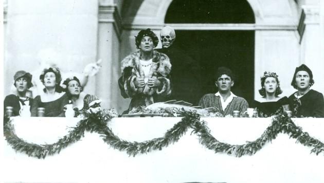 """Die Festspiele 1920 mit dem ersten Salzburger """"Jedermann"""" – und Kostümen von Alfred Roller. (Bild: Salzburger Festspiele/Ellinger)"""