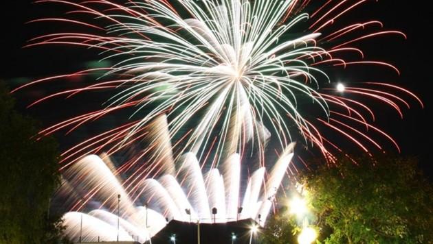 Profi-Feuerwerke sind heute kunststofffrei und lärmarm (Bild: Feuerwerke Jost)
