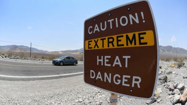 Ein Schild warnt im Death Valley vor extremer Hitze. (Bild: 2021 Getty Images)