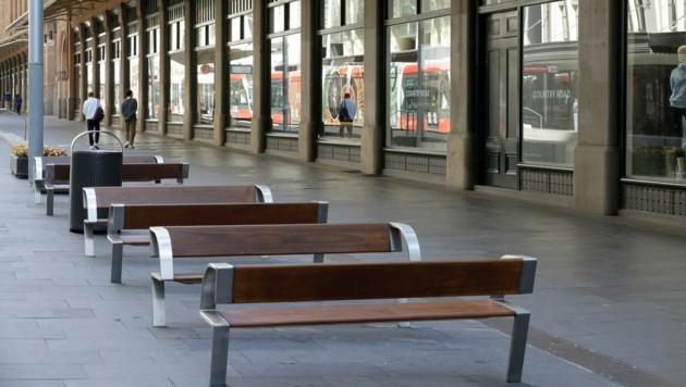 Diese Einkaufsstraße in Sydney ist infolge des Lockdowns fast menschenleer. (Bild: Associated Press)
