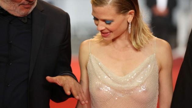 Mutiger Look: Die französische Schauspielerin Melanie Thierry überließ in Cannes wenig der Fantasie. (Bild: APA / Photo by Valery HACHE / AFP)
