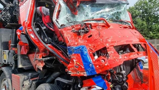 Unfall auf der A2 (Bild: FF Ludersdorf)