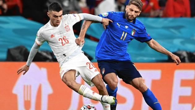 Pedri (li.) absolvierte bei der EM alle sechs Spiele der Spanier fast zur Gänze, nun spielt er auch bei Olympia in Tokio. (Bild: Andy Rain)