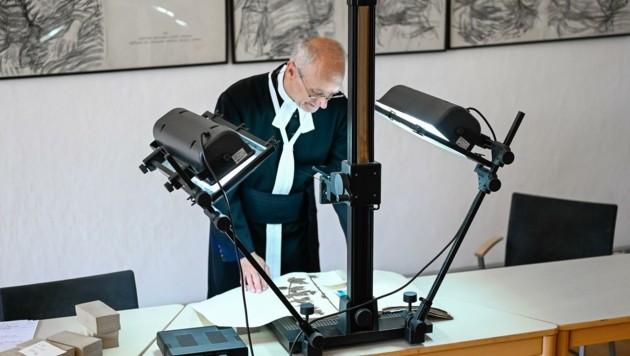 Harald Ehrl bei der Arbeit (Bild: Alexander Schwarzl)