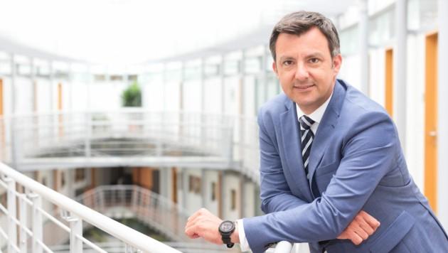 Seit Oktober 2020 ist Martin Staudinger Kapitän des Harder Rathaus-Schiffs. (Bild: Mathis Fotografie)