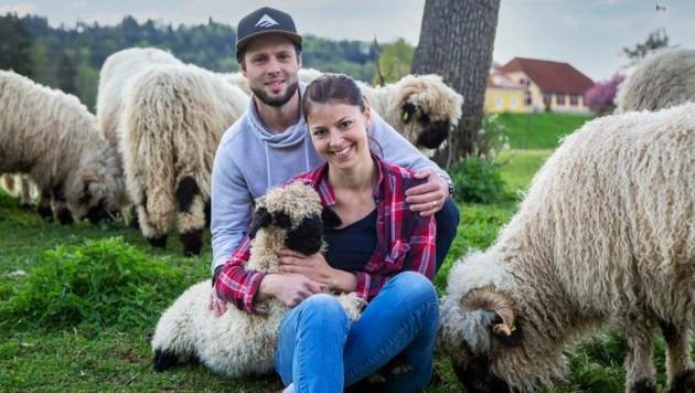 Julia und Martin Weitschacher ver- arbeiten die Schaf- wolle optimal. (Bild: Martin Weitschacher)