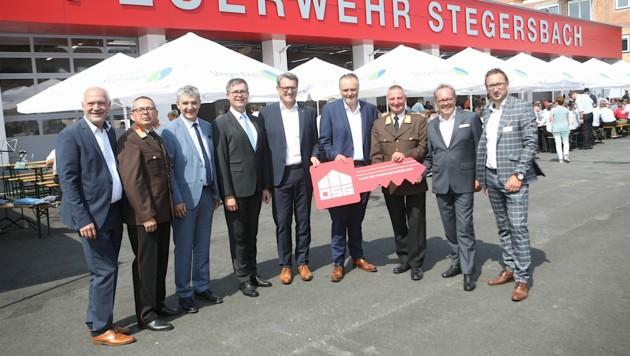 Modernes und zeitgemäßes Feuerwehrhaus in Stegersbach eröffnet. (Bild: LMS/DANIEL FENZ)