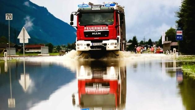 Die Deckelung des Katastrophenfonds soll angehoben werden, fordern die Florianis. (Bild: APA/DANIEL SCHARINGER)