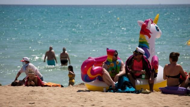 Ab 22 Uhr ist für Party-Hungrige auf Mallorcas Stränden nun Schluss - sonst drohen hohe Geldstrafen. (Bild: Associated Press)