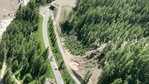 Zuletzt war es zu einem massiven Felssturz gekommen. An den darauffolgenden Tagen löste sich weiteres Material. (Bild: zoom.tirol)