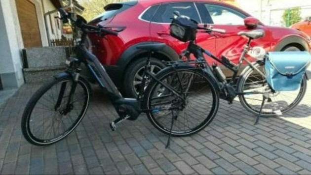Insgesamt drei E-Bikes haben die Täter am Montag mitgenommen. (Bild: LPD Burgenland)