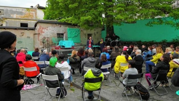 """Die erste Hälfte vom """"Hasskirchtag"""" findet im Hof statt. (Bild: Martin Dueller)"""
