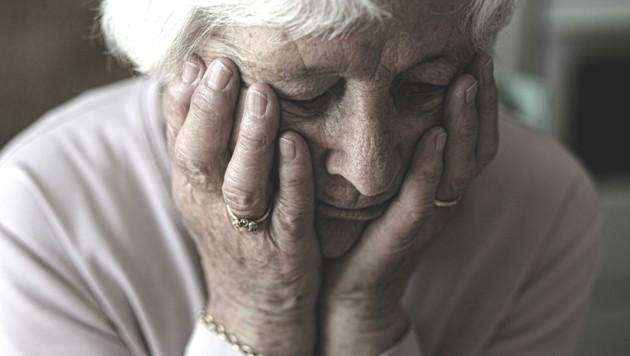 Betroffene von Demenz finden sich mit dem Fortschreiten der Krankheit immer weniger in ihrer eigenen Umgebung zurecht. (Bild: Evelyn Hronek)
